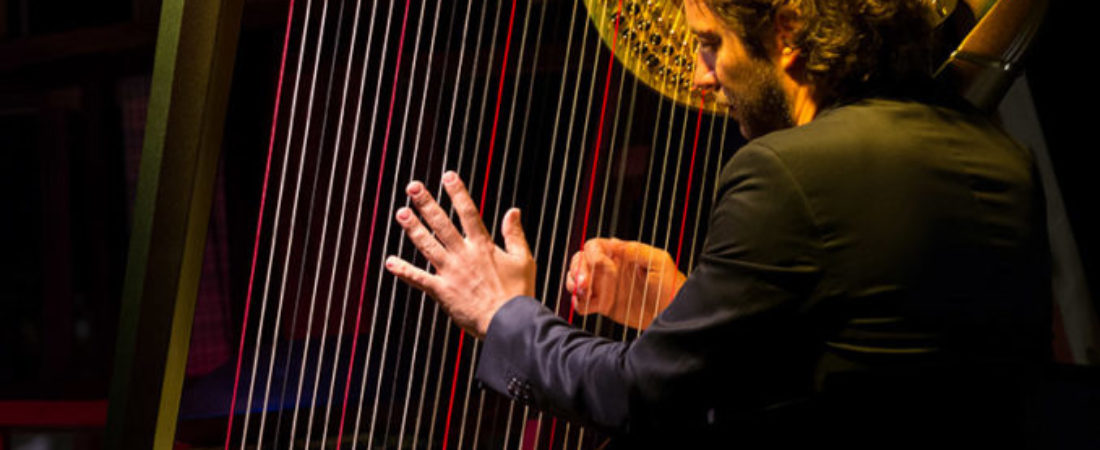 Nartan,-harpist-essentially.-Photo-by-Oriol-Mas-Carbonell